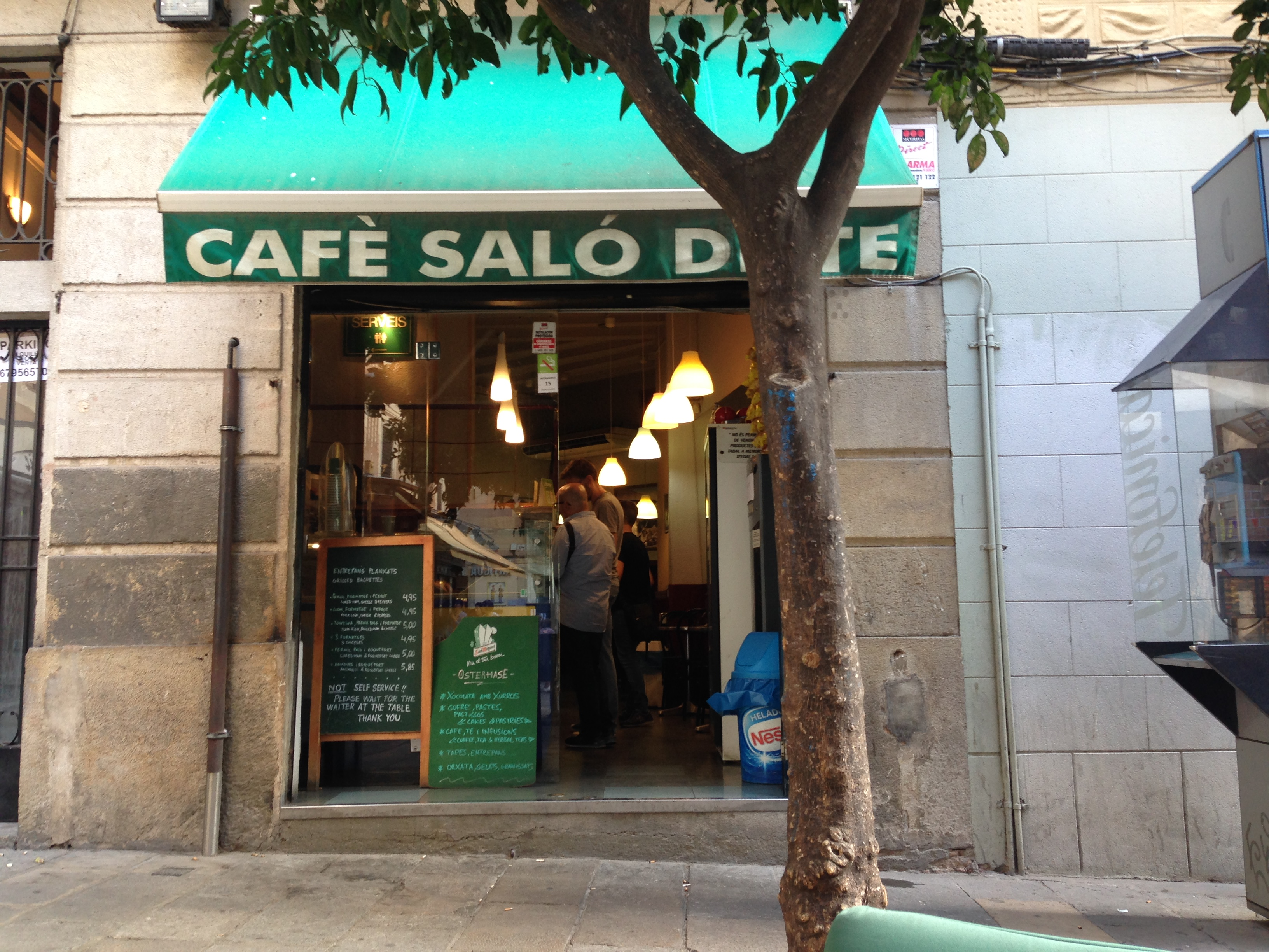 cafe-salon-de-te-placa-del-pi