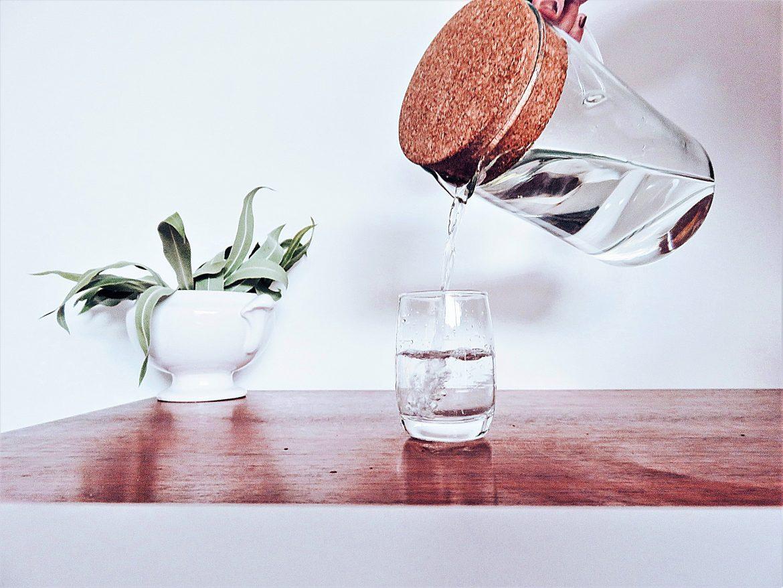 Bouteille d 39 eau r utilisable vs plastique what what - Eau en bouteille vs eau du robinet ...