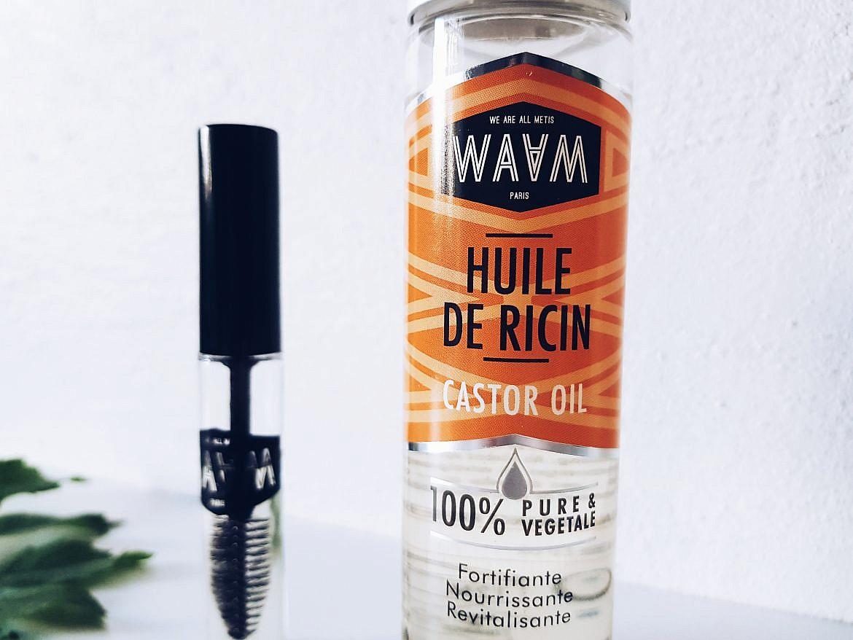 huile-de-ricin-waam-pousse-des-cils