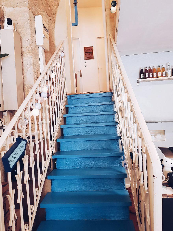 le-chat-gourmand-montpellier-escalier