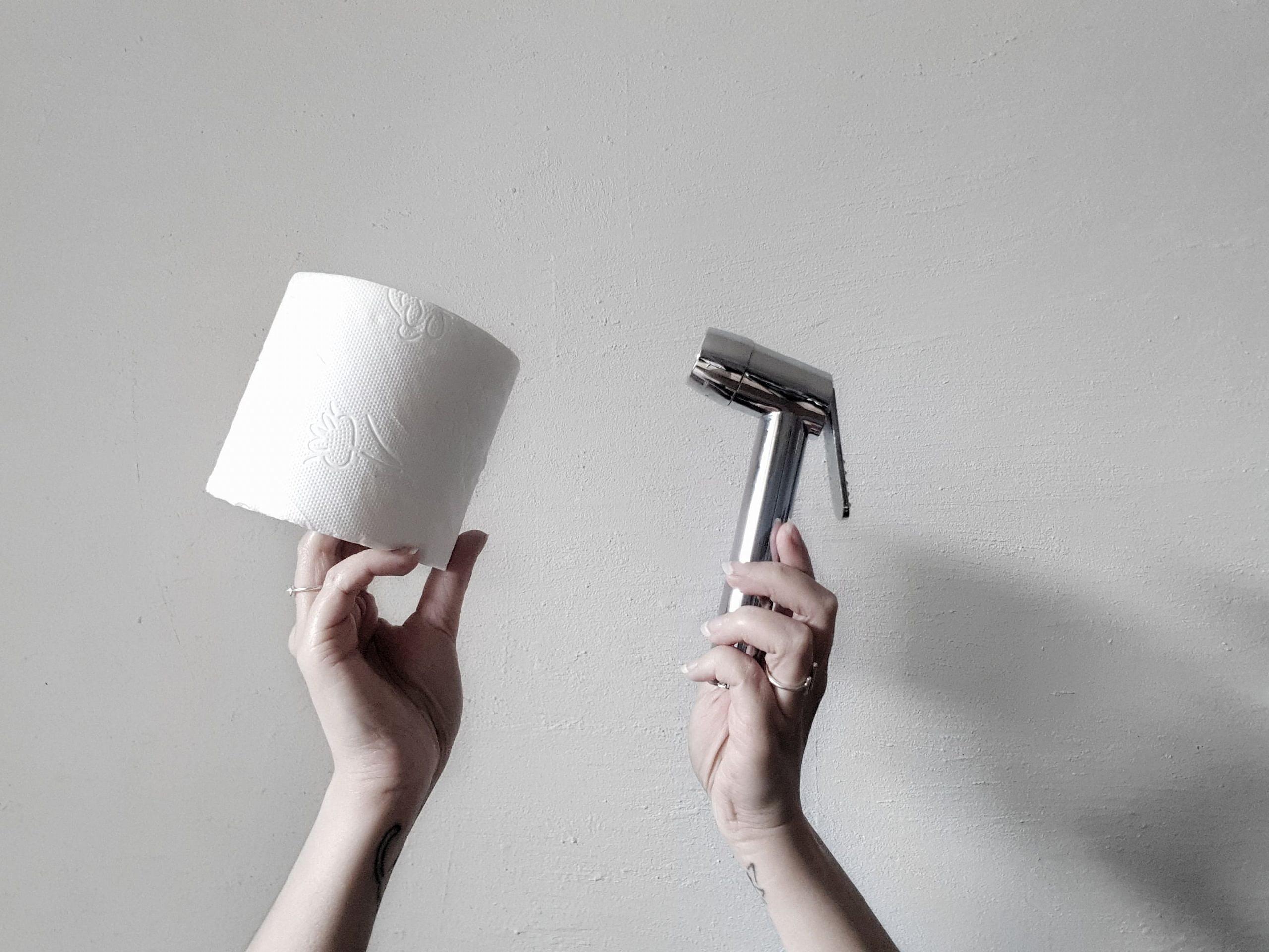 papier-toilette-vs-douchette